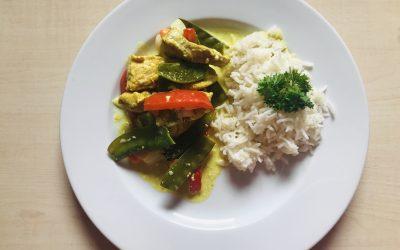 Putencurry mit Reis