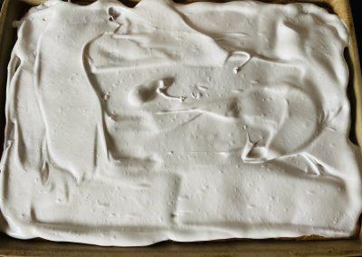 Rhabarberkuchen mit Haube/Baiser